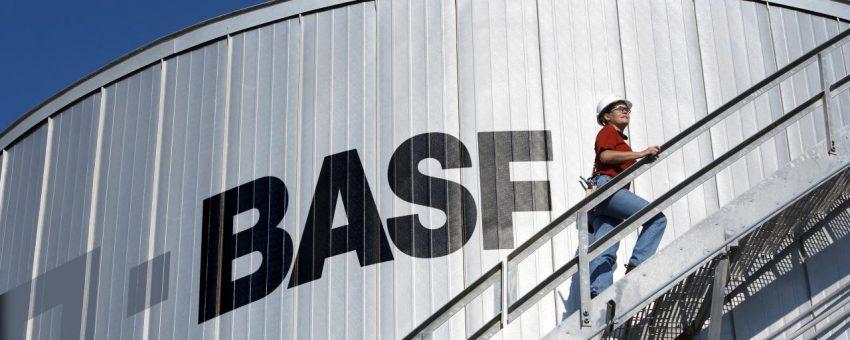 BASF придобива бизнеса за растителна защита на Bayer за €5.9 млрд.