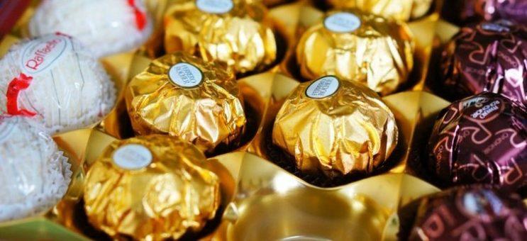 Нестле (Nestlé) продава бизнеса си със сладкарски изделия в САЩ на Фереро (Ferrero) за 2.3 млрд. евро (2.8 млрд. щ. д.)