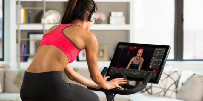 Компанията за излъчване на спининг уроци онлайн Peloton привлече $550 М във финален спринт преди листването й на борсата.